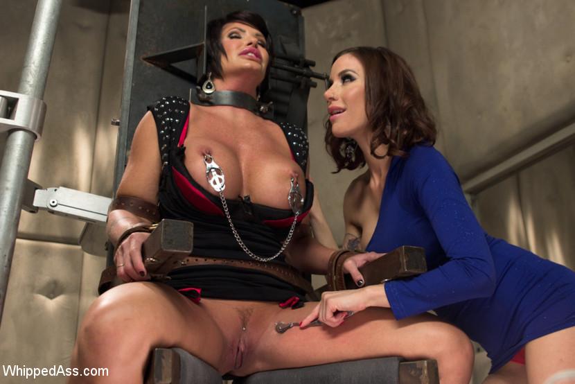 Lesbian Pussy Licking Bondage