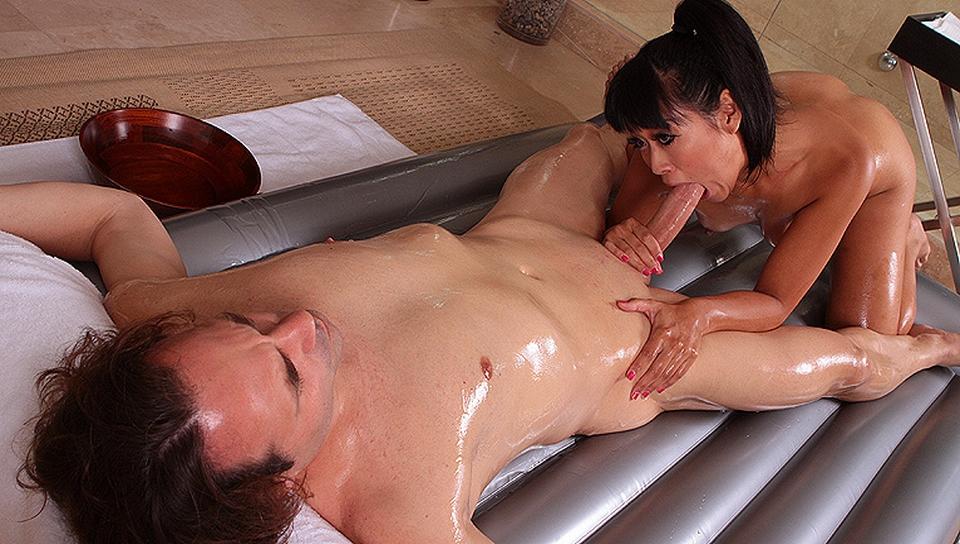 massazh-eroticheskiy-aziatskiy