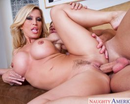 Amber Lynn in  Myfriendshotmom Amber Lynn & Michael Vegas November 08, 2010  Mature, Blonde